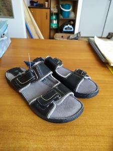 Komfortní Pantofle Mkoomi
