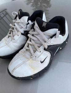 Golfové boty vel. 33,5