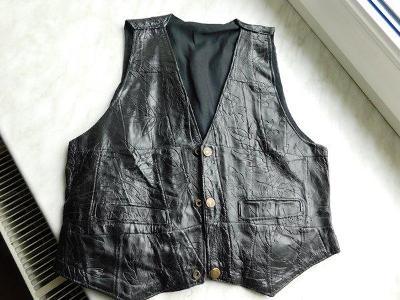 Pěkná černá kožená vesta , obvod hrudníku 82 cm