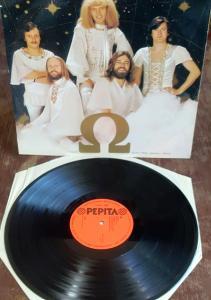 LP  Omega 8: Csillagok Útján EX-/EX-