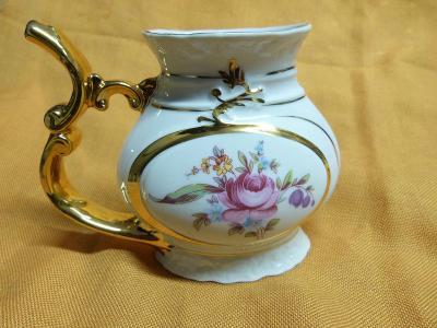 Krásný originální hrnek Karlovarský porcelán
