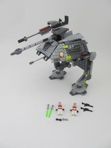 Lego set 7671 Star Wars Terénní útočná jednotka AT-AP Walker 2008 rok