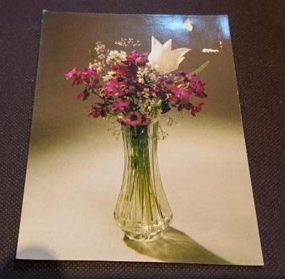 Pohlednice květina se známkou