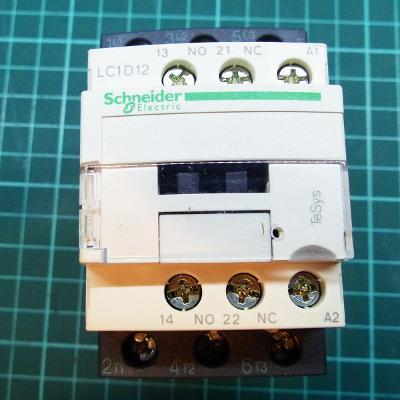Stykač Schneider Electric LC1D12E7 3P(3Z) 12A, cívka 48VAC