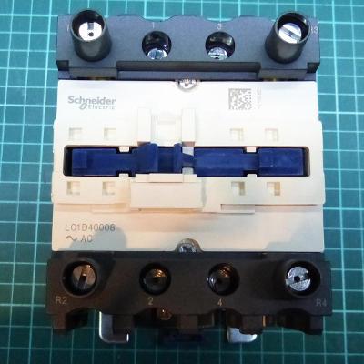 Stykač Schneider Electric LC1D40008P7 4P(2Z+ 2V) 60A, cívka 230VAC