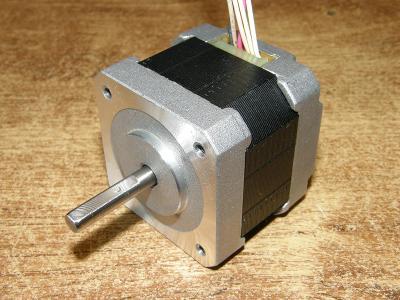 Krokový motor  SST42D2120, NEMA 17