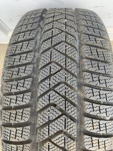 zánovní zimní 2ks 245.40.18 Pirelli Sottozero 3, 97V, AO, 7,5mm
