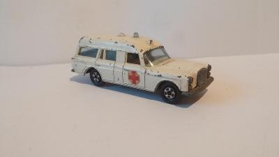 """Matchbox SF, No. 03-A, Mercedes Benz """"BINZ"""" Ambulance"""