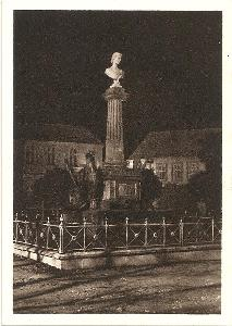 ČESKÁ SKALICE - pomník Němcové - Náchod