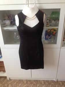 Šaty GUESS černé