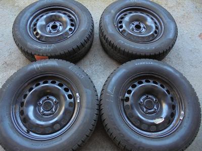 215 65r16 zimní Pirelli +16 plech  VW Tiguan, Audi Q3, ET 33 4kusy
