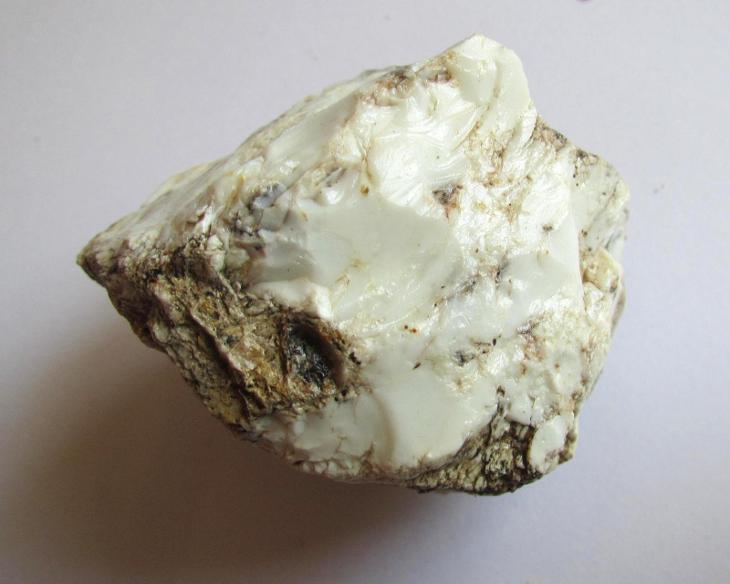 ČESKÝ OPÁL - SMRČEK     Č.R.   (IF 348) - Minerály a zkameněliny