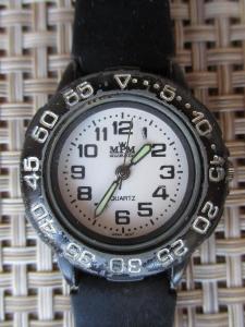 Dámské hodinky Quartz MPM