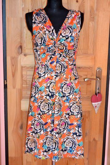 Pěkné oranžové vzorované šaty Nicole, vel. M - Dámské oblečení
