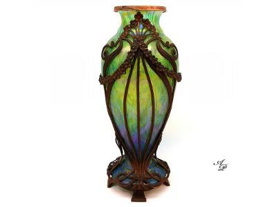 Kralik Wilhelm - Váza secesní v bronzové montáži