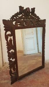 Starožitné vyřezávané zrcadlo