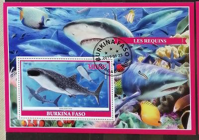 Burkina Faso 2019 - CTO aršík, žraloci, vodní fauna