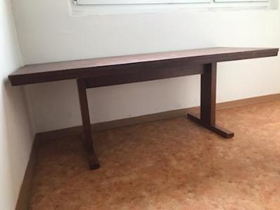 Konferenční stolek dřevěný, hnědé barvy, 150 x 56 cm x 56 cm