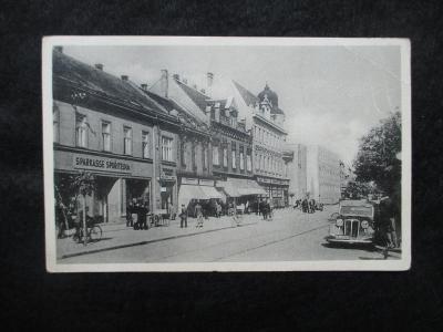 Hodonín / Göding - ulice, lidé, pr. 1943