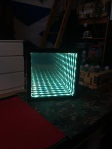 Originální světelná dekorace nekonečné zrcadlo ! hezké třeba do baru