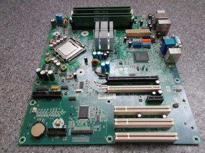 základní deska HP s pamětmi a procesorem-asi nefunkční
