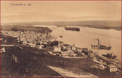 Rüdesheim am Rhein * parník, lodě, přístav, nábřeží * Německo * Z1202