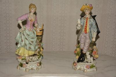 Zámecké porcelánové sochy-Muž s dámou