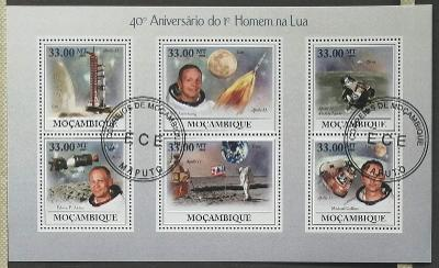 Mozambik 2009 - CTO aršík, 40 let člověka na Měsíci, vesmír a kosmos