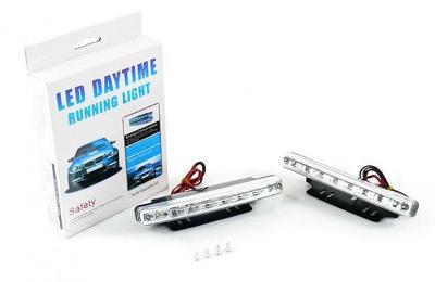 Světla pro denní svícení jízdu ve dne 2x8 led 12V 0411