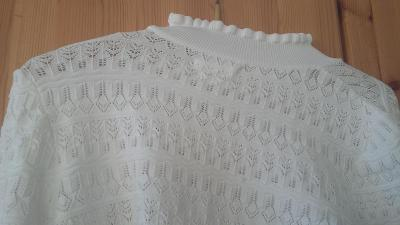 Pleteny svetřík M reserved bily snehove