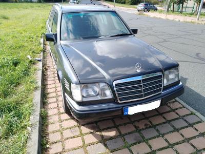 Mercedes - Benz E300 W124 r.1993 kombi,automat
