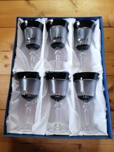 Broušené skleničky v černé barvě 6 ks - dárková sada