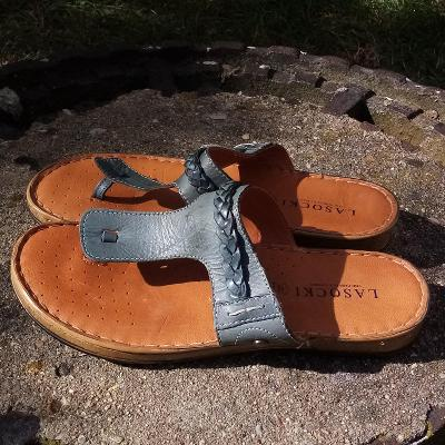 Dámské sandály LASOCKI,vel.37 (23,5 cm) / pravá kůže, bezv. stav