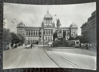 Praha 1 Vaclavské náměstí Národní Muzeum Tramvaj Auto