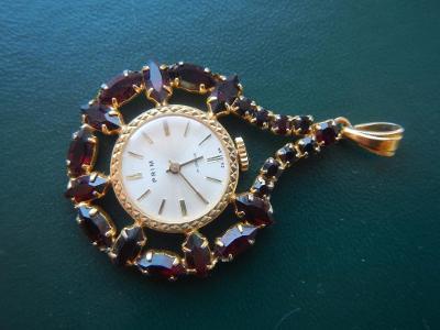 Dámské hodinky Prim český granát