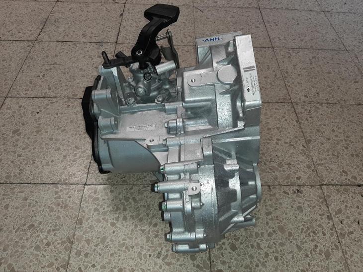 Převodovka VW Passat Golf Altea Toledo 1.9 TDI HNV - Náhradní díly a příslušenství pro osobní vozidla