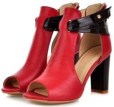 477 Krásné červené boty s vysokým podpatkem