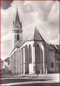 Třeboň * kostel sv. Jiljí, kříž, pumpa * Jindřichův Hradec * V1012