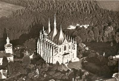 KUTNÁ HORA - chrám sv. Barbory - pohled z letadla