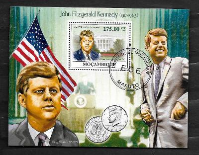 Mosambik 2009 - Kennedy, půldolar s jeho portrétem, vlajka USA