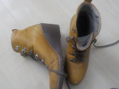 ECCO celokožene kotnikove boty vel 39/hořčicova barva/