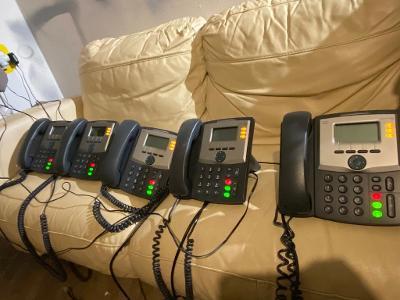 5ks CISCO 3 line IP Phone SPA303