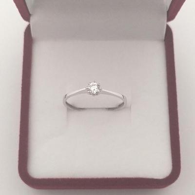 Zásnubní prsten z bílého zlata s briliantem 0,83 g Au (585/1000)