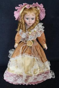 Krásná, porcelánová panenka na stojanu...(11955)