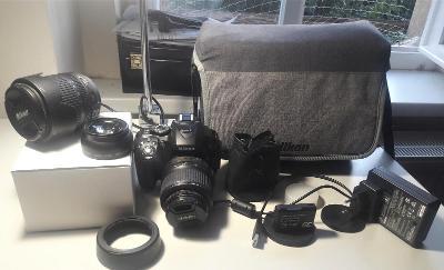 Nikon D5300 + kopa příslušenství. Poštovní zdarma!