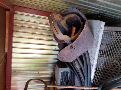 Kompresory, svářečka,soustruh a pila na železo