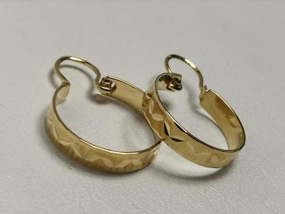 Zlaté naušnice kreole