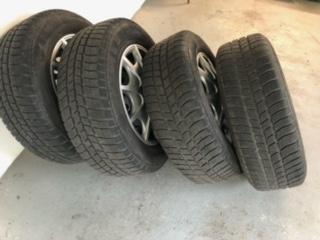 Zimní pneu Barum Polaris 3 215/65 R 16 na plechových discích