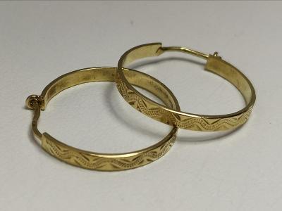 Zlaté ručně ryté kroužky