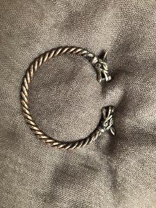 Vikingský náramek z bronzu ruční výroba masivní vlk